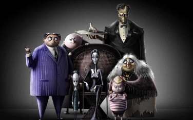 the-addams-family-filminden-yeni-fragman